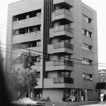 1986 – Edifício Angra dos Reis, 1.600 m² – Curitiba-PR – Arquiteto co-autor Paulo Pacheco