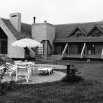 1990 – Residência Behrens, 600 m² – Curitiba-PR – Arquiteto co-autor Paulo Pacheco